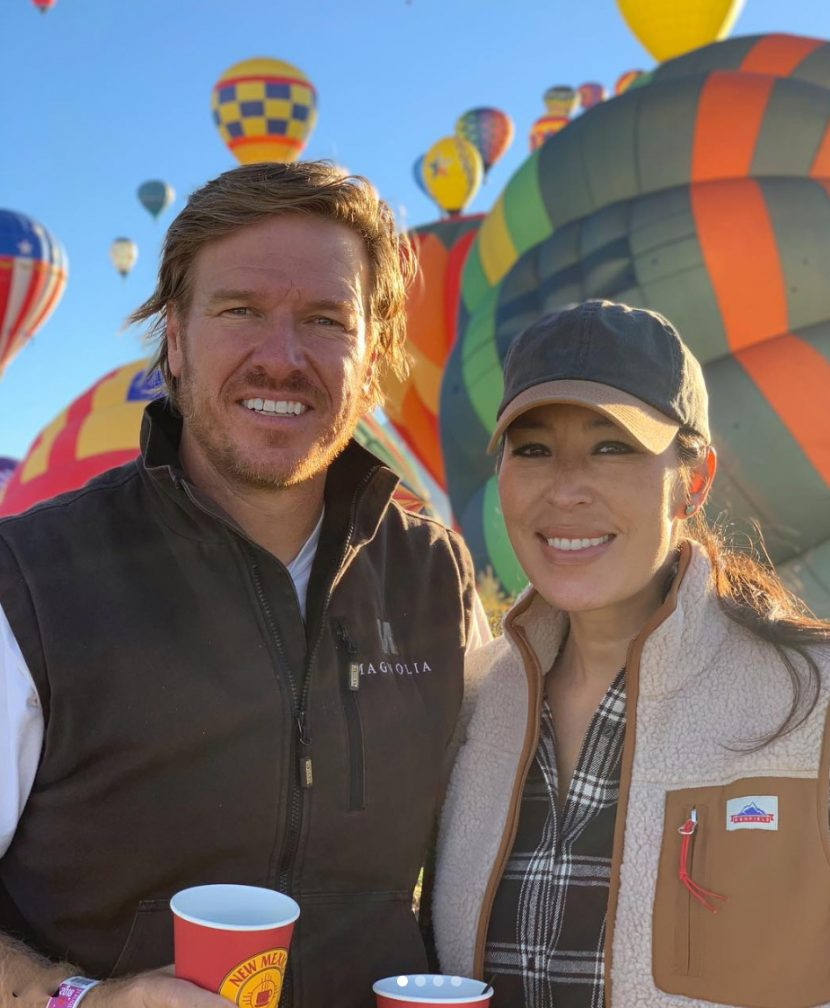Chip and Joanna Gaines Sport Flannels at a Balloon Festival, Pregnant Jana Kramer Visits a Pumpkin Patch and More Stars Who Love Fall!