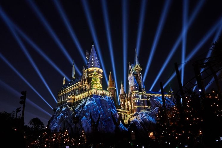 Harry Potter Fans Can Spend Christmas at Hogwarts! Here's Everything You Need to Know