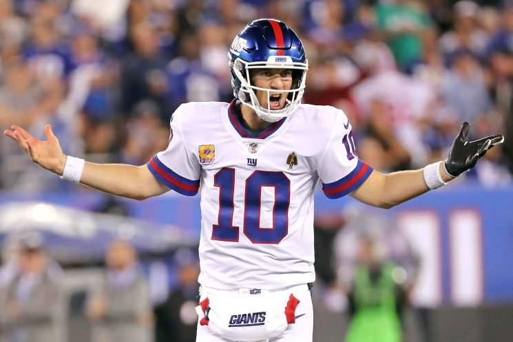 Eli Manning playing like an old QB who's past his prime