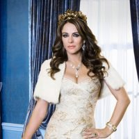 Watch Elizabeth Hurley Share Her Dream Ending for 'The Royals'