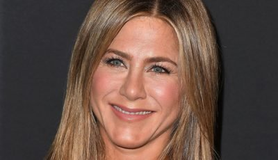 Even Jennifer Aniston Had Trouble Styling the Rachel Cut