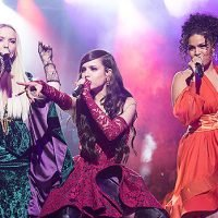 Dove Cameron, Sofia Carson & Jordin Sparks Slay Classic 'Hocus Pocus' Tune During Special