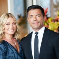Kelly Ripa Shares a Photo of the Doppelgängers in Her Family
