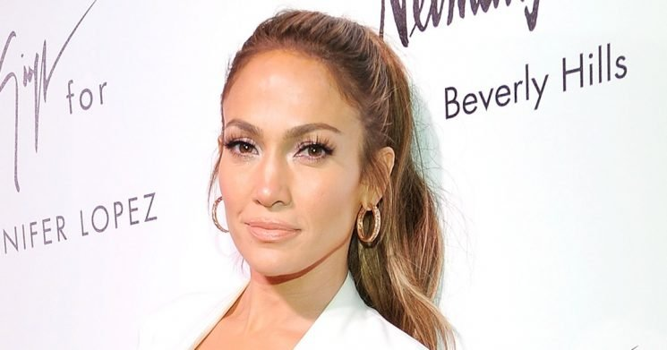 J. Lo's Necklace Game Is #Goals
