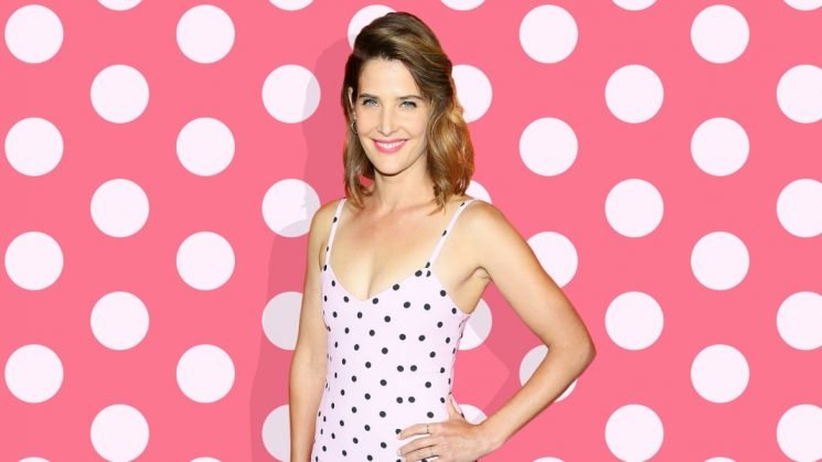 Cobie Smulders Opens Up About Ovarian Cancer & What Saved Her Life