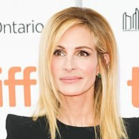 Julia Roberts, 50, Still Looks Like A Real-Life Tinkerbell In Gorgeous Blue Fairy-tale Ball Gown