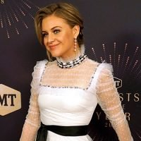 Kelsea Ballerini Is Ethereal In White As An Honoree At CMT's Artists Of The Year