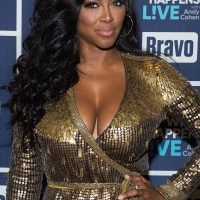 Kenya Moore Gains 17 Lbs. in One Week Due to Scary Pregnancy Complication: 'This Is Not Normal'