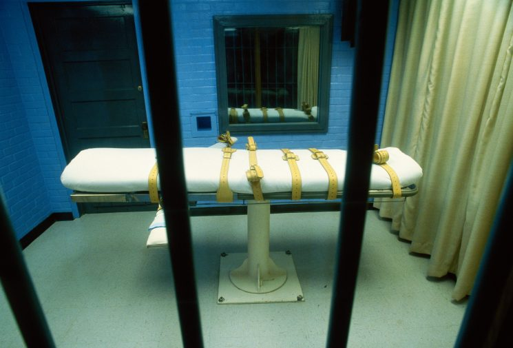 Which countries still have the death penalty and how many people are executed in the world every year?