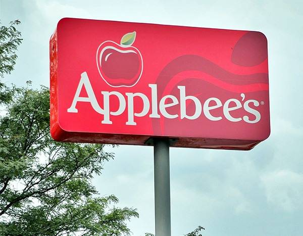 Applebee's $1 Zombie Drinks Are Here Just in Time for Halloween