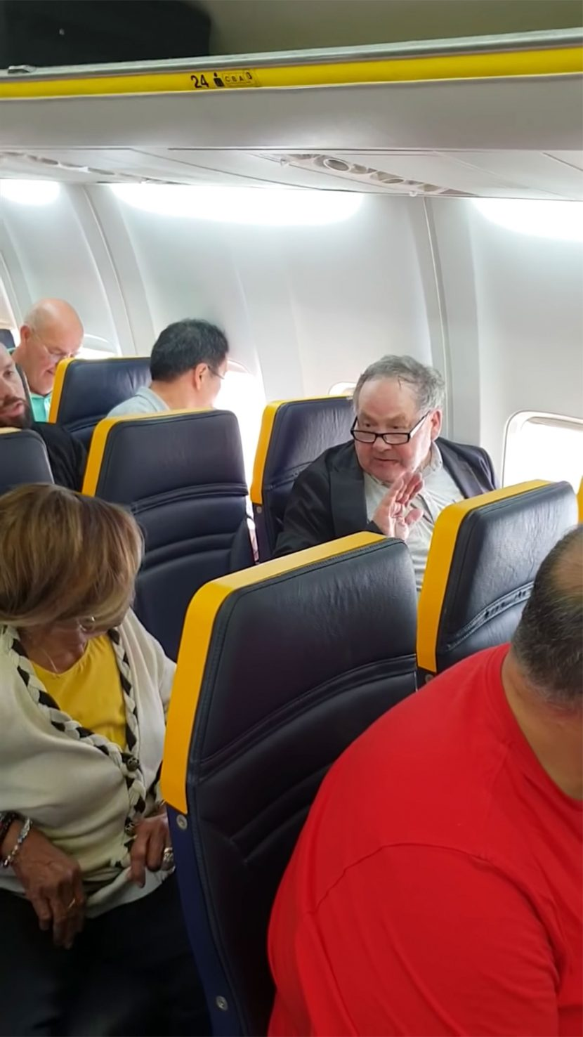 Ryanair Under Fire After Man Who Went on Racist Rant Against Fellow Passenger Goes Unpunished