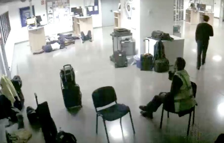 Ryanair Crew Members Caught on CCTV Allegedly Staging Viral Photo That Shows Them Sleeping on Airport Floor