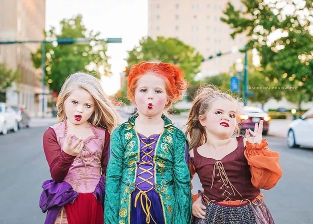 Texas Sisters Dress Up as the Hocus Pocus Witches for Halloween – See the Adorable Photos