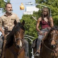 The Walking Dead Season 9 Premiere Recap: Friends, Foes and the Fine Line Between 'Em — Plus, [Spoiler] Dies