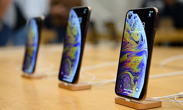 iPhone XS hit by new battery charging complaints