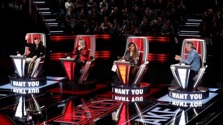 Jennifer Hudson kicks a block at Kelly Clarkson to snag Zaxai on 'The Voice'