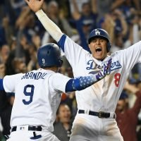 Dodgers get walk-off win in 13th inning to even NLCS with Brewers