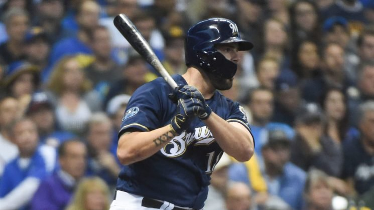 Mike Moustakas coming up big in the postseason again, this time for Milwaukee