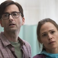 'Camping' review: Jennifer Garner makes a welcome (and cringeworthy) return to TV