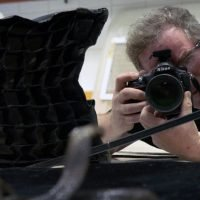 "Snake bites cameraman as 60 Minutes profiles ""National Geographic"" photographer Joel Sartore"