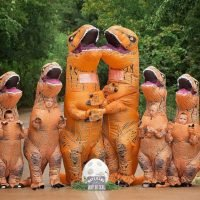 This dinosaur-loving family's baby announcement will have you roaring for joy