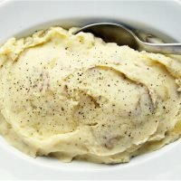Mashed Potatoes So Creamy That They Need No Adornment