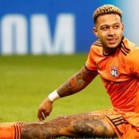 Memphis Depay reprimanded in front of team-mates by Lyon boss