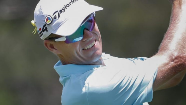 Confusion reigns after Senden's air swing on tee shot at Australian PGA