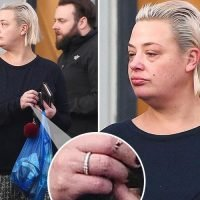 Lisa Armstrong goes make-up free as she's spotted wearing her 'wedding ring' again