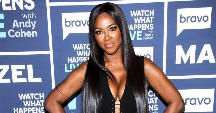 'RHOA' Alum Kenya Moore Shows Off Her Abs 3 Weeks After Giving Birth