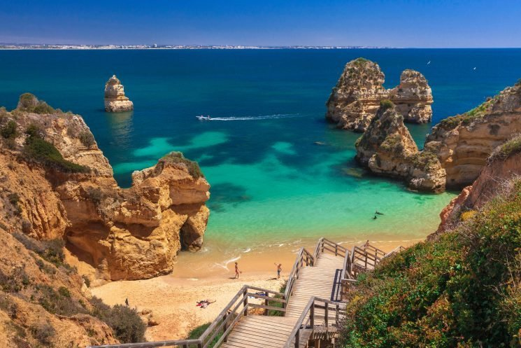 Book a cheap one-week Algarve holiday or Malaga winter sun break from £44pp – including hotel AND flights