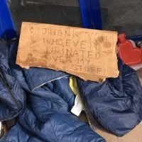 Homeless man leaves sarcastic note after cruel yobs wee on his sleeping bag