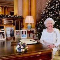 How Will Queen Elizabeth II Celebrate Christmas This Year? – The Cheat Sheet
