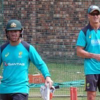 'Maybe new voice would help': Warne takes aim at batting coach Hick
