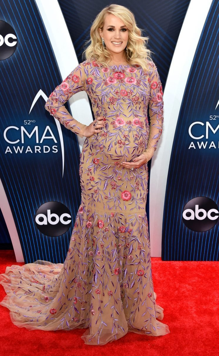Pregnant Carrie Underwood Says She Has to Wear Her Husband's Clothes Since Hers 'Don't Fit'