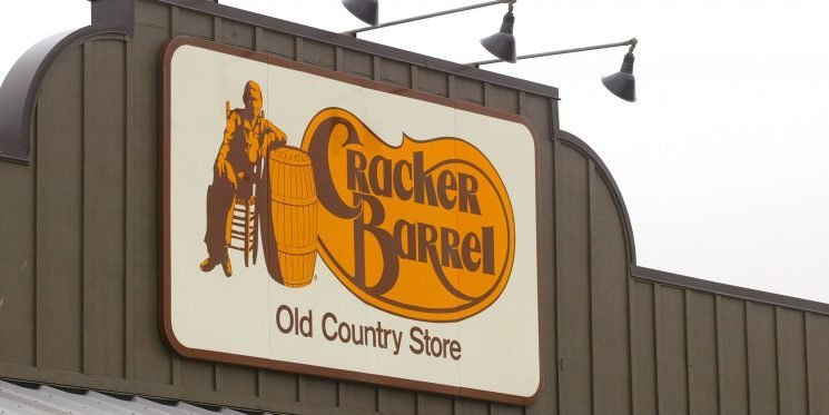 Cracker Barrel Is Selling an Entire Thanksgiving Dinner for Just $10 Per Person
