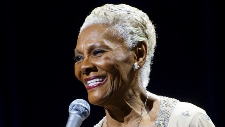 Dressed in slippers, Dionne Warwick made the audience as comfortable as she felt
