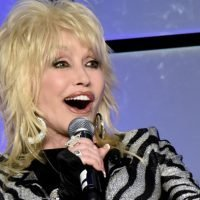 Pink, Shawn Mendes, Chris Stapleton, More Join Grammy Tribute to Dolly Parton