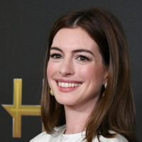 Anne Hathaway's New Hair Color Is Very, Very Red