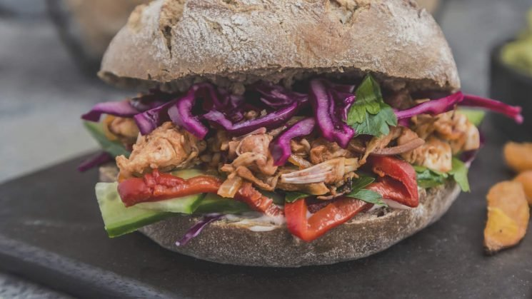 The Health Benefits of Jackfruit, the Buzzy Vegan Meat Substitute That's Popping Up Everywhere