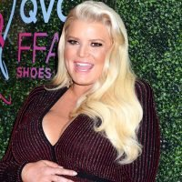 Jessica Simpson Shows Baby Bump While Cooking Friendsgiving