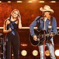 Jason Aldean & Miranda Lambert Bring The House Down At CMAs With 'Drowns The Whiskey'