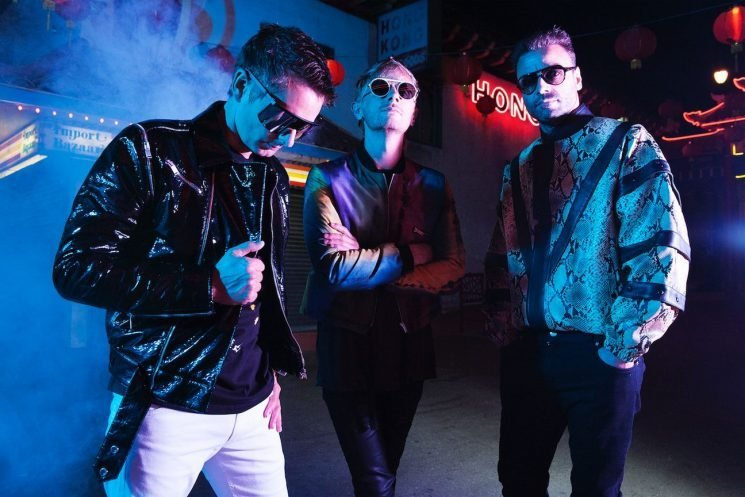 Review: Muse Get Lost in the Eighties on 'Simulation Theory'