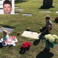 Robin Thicke Visits Late Father Alan's Grave with Son Julian and Daughter Mia: 'Count Your Blessings'