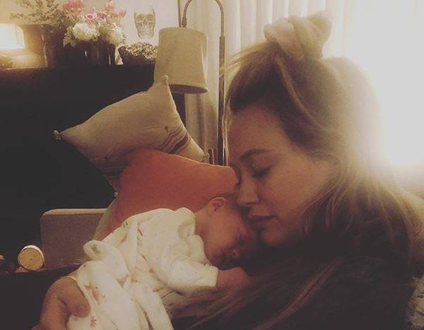Aw! Hilary Duff Shares a Photo of Herself Breastfeeding Baby Banks
