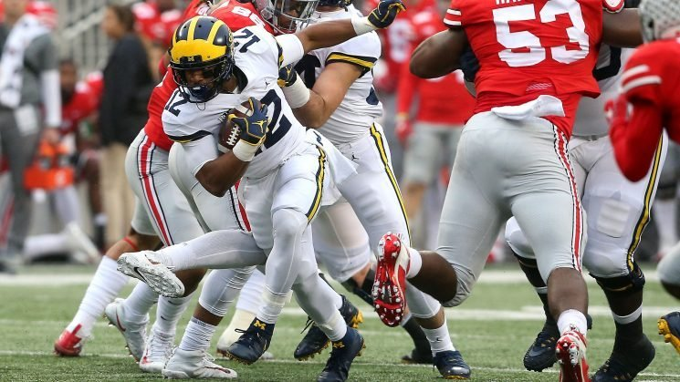 Michigan scores two touchdowns in six seconds after Ohio State blunder