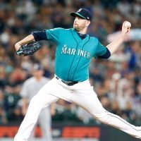 Yankees acquire left-hander James Paxton from Mariners for three prospects