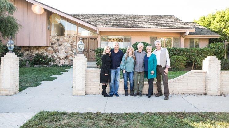 'Brady Bunch' stars reunite at their TV home ahead of HGTV renovations