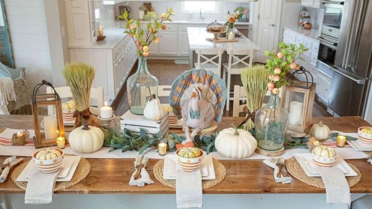 Feast your eyes on these beautiful easy to recreate Thanksgiving tablescapes