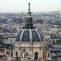 French universities to offer more courses in English to attract foreign students